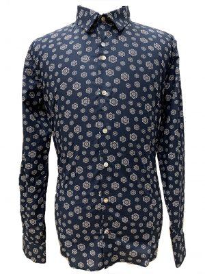 Braderie chemise à motifs